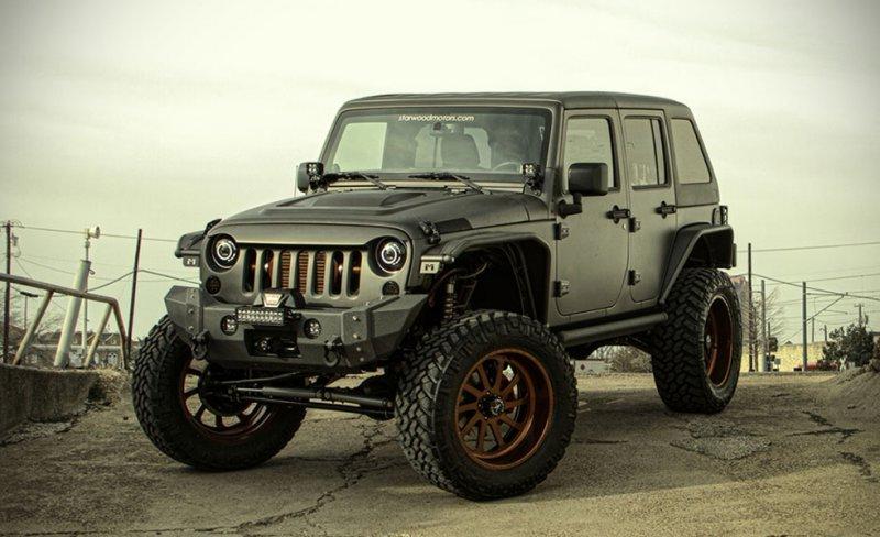 jeep-wrangler-unlimited-nighthawk