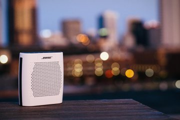 altavoz-portatil-bose-soundlink-color-bluetooth